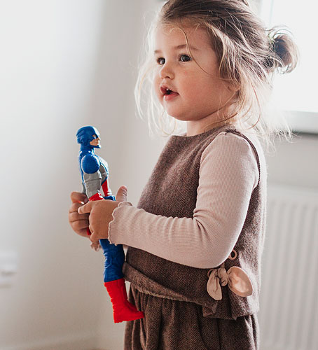 Girl playing with toys, ima165551